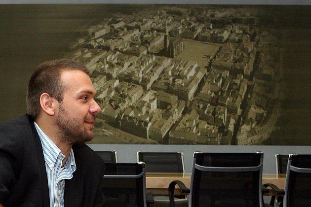 Plzeňský primátor Martin Baxa ve své kanceláři