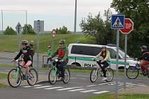 Pravidla silničního provozu si školáci testovali v rámci okresního kola soutěže mladých cyklistů