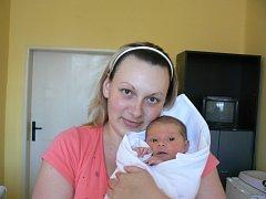 Eliška Lukášová (3,55 kg, 51 cm) je prvorozená dcera maminky Šárky a tatínka Jakuba zChlumčan. Narodila se 22. května v8:40 hod. vMulačově nemocnici