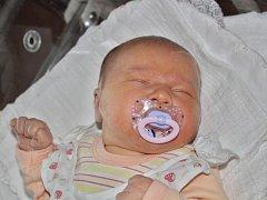 Eliška Černá se narodila 22. prosince ve 23:52 mamince Janě a tatínkovi Josefovi zOtěšic. Po příchodu na svět vklatovské porodnici vážila sestřička čtyřletého Filipa a šestnáctiletého Romana 4120 gramů a měřila 53 cm.