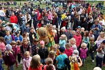 Slavností pro děti byl do provozu uveden revitalizovaný vnitroblok v Krašovské ulici.
