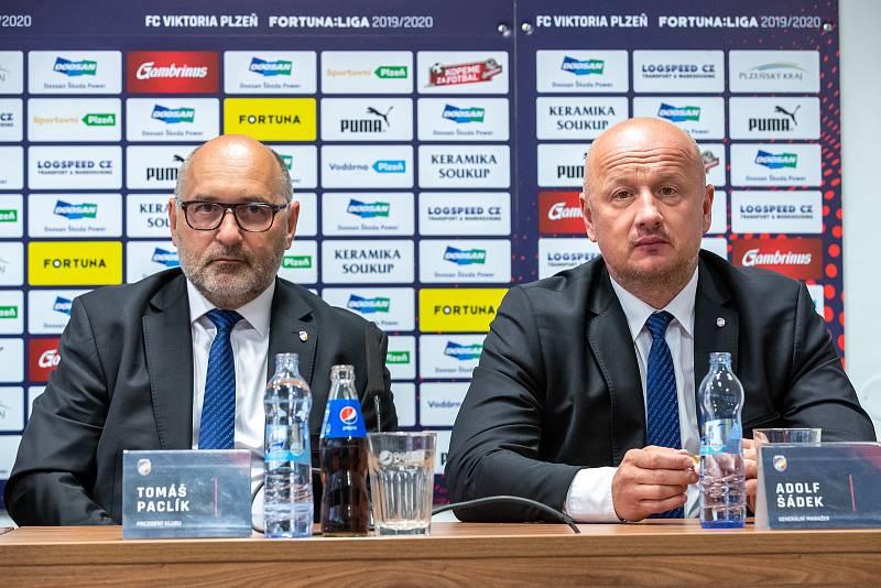 Střídání šéfů. Tomáše Paclíka nahradil v čele plzeňské Viktorie Adolf Šádek.