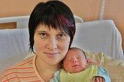 Tomáš Hýsek se narodil 2. září v11:50 mamince Veronice a tatínkovi Tomášovi zNepomuku. Po příchodu na svět vklatovské porodnici vážil bráška šestileté Nikolky 3140 gramů a měřil 50 cm