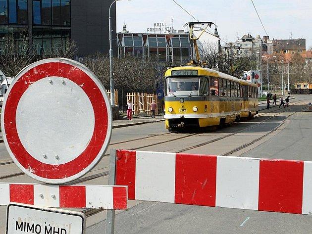 Prostor U Zvonu je uzavřený kvůli rekonstrukci tramvajové trati