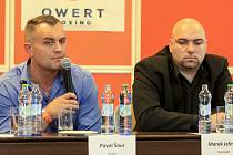 Pavel Šour (vlevo) a jeho manažer Marek Jelínek.