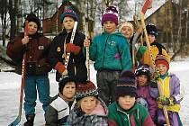Zimní radovánky na Novém rybníku v Dolní Bělé v devadesátých letech minulého století.