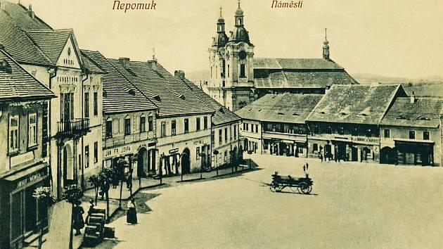 Náměstí v Nepomuku v roce 1910.