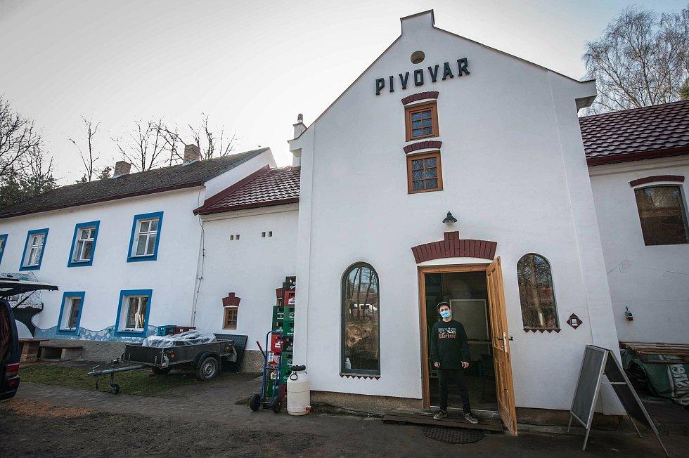 Členové pivovarského týmu jsou v novém zázemí spokojeni, obec Druztová se pro ně stala srdcovou záležitostí a novým domovem. Pojďme nahlédnout do jeho procesů společně s vrchním sládkem Janem Ilgnerem.