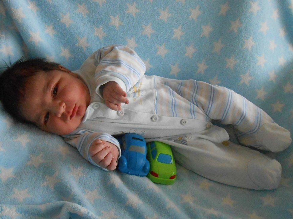Vojtěch T. se narodil 11. března 2021. Po příchodu na svět v Domažlické nemocnici vážil 4890 gramů a měřil 54 centimetrů.