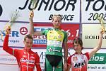 Společnost na stupních vítězů mu pak dělali (na malém snímku zleva) druhý Jan Klabouch a  třetí Antonín Rajs