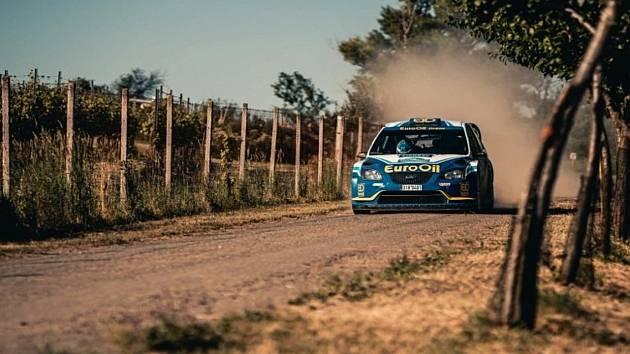 POSÁDKA EUROOIL TEAMU Václav Pech – Petr Uhel s vozem Ford Focus WRC na trati Rallye Hustopeče.