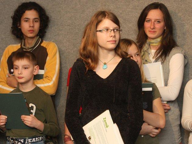 Třináctiletá Andrea Pecháčková byla včera Knihovnou města Plzně vyhlášena Čtenářkou roku