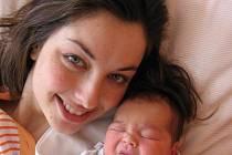 Kamile a Stanislavu Albrechtovým z Holostřev se 22. března v 16.44 hod. narodila v Mulačově nemocnici prvorozená dcera Kristýnka (3,65 kg/50 cm)