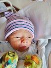 Dvojčata Matěj a Tomáš Mračkovi se narodili 4. května mamince Aleně a tatínkovi Alešovi zVřeskovic. O minutu starší Matěj vážil 2860 gramů a měřil 46 centimetrů, Tomáš vážil 2550 gramů