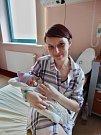 Lara Sudová se narodila 1. března v10:21 mamince Lence a tatínkovi Vítovi zPlzně. Po příchodu na svět vplzeňské FN vážila sestřička desetileté Veroniky 2980 gramů a měřila 49 centimetrů.