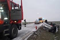 Následky nehody nedaleko Horní Lukavice