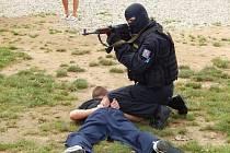 Policisté v Plasích předvedli ukázku své práce