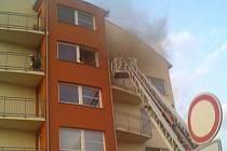 Sobotní ranní požár v Mohylově ulici v Plzni