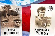 Pavel Horváth a František Plass budou mít v pondělí ve Štruncových sadech autogramiádu.