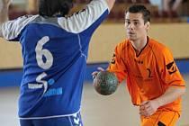 Prvoligového nováčka ze Starého Plzence posílí Marek Nachtman (na archivním snímku ze sezony 2012/13 vpravo), který se do západočeského klubu vrací z německého angažmá.