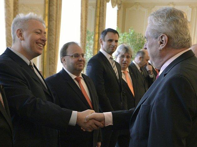 Hejtman Milan Chovanec (vlevo) při oficiálním setkání hejtmanů s prezidentem Milošem Zemanem