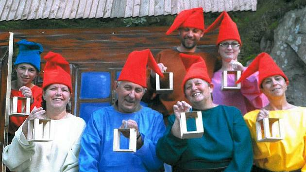 Pohádkový příběh o Sněhurce a sedmi trpaslících uvede 3. září soubor Lesního divadla v Nýrsku
