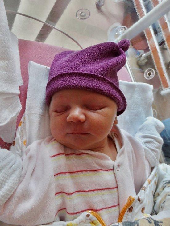 Eliška Šístková se narodila 24. října v17:40 mamince Pavlína a tatínkovi Jiřímu zPlzně. Po příchodu na svět vplzeňské FN vážila jejich prvorozená dcerka 3730 gramů a měřila 53 centimetrů.