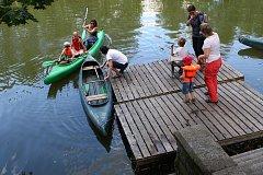 Městská plovárna Doudlevce - Rozlučkové plovárenské odpoledne - workshopy pro děti, pújčovna lodiček, Slack-Line přes řeku.