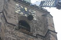 Vyzvednutí zvonů do věže katedrály