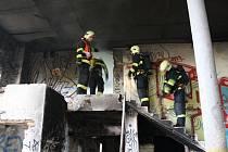 Požár staré cihelny v Plzni na Košutce