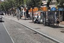 K útoku došlo u Ráje kuřáků na Americké ulici v Plzni.