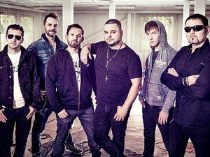 Slovenská kapela Desmod koncertuje v pátek v Kulturním domě Šeříková v Plzni na Slovanech.