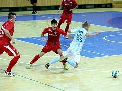 Futsalisté Interobalu (modrobílí) nepřipustili další překvapení na svůj účet a Brno porazili 6:2.