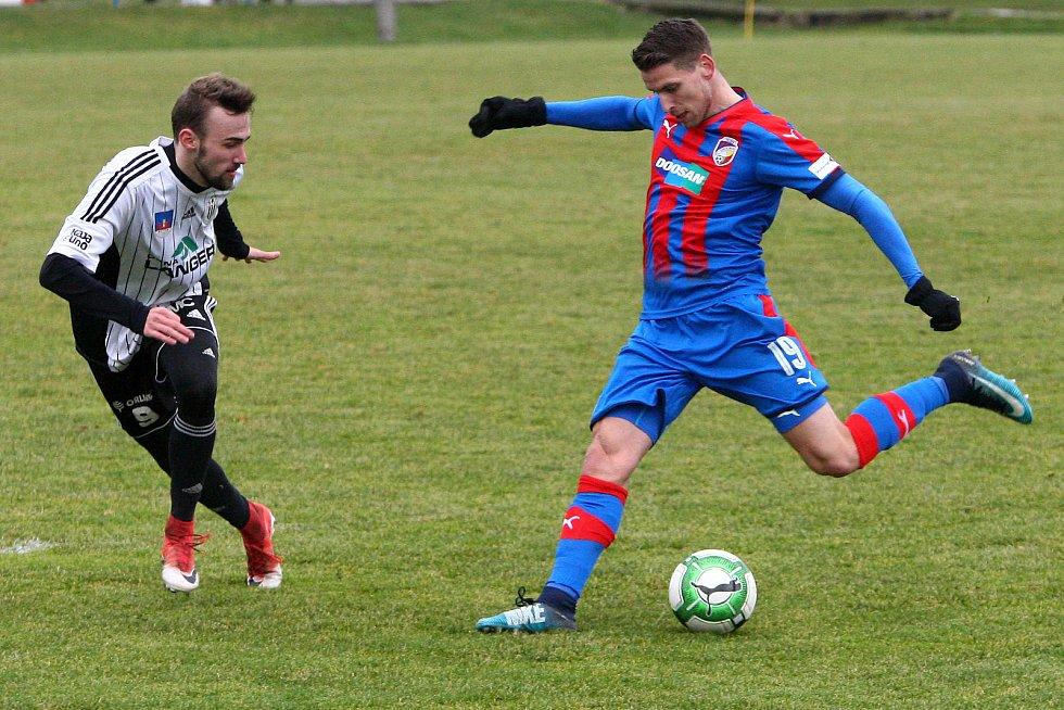 V úvodním přátelském utkání porazila Viktorie Ústí nad Orlicí 3:0.