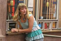 """U okénka pokladny hlavního vlakového nádraží """"švédská turistka"""" s angličtinou neuspěla"""