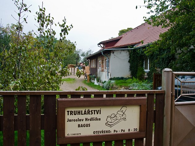 Dům, kde policie zatkla Jaroslava Hrdličku