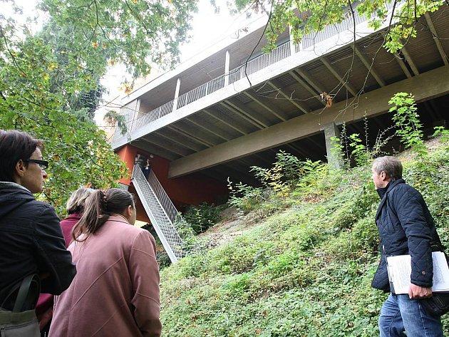 Den architektury v Plzni umožnil zájemcům prohlídku vily Na Skalce na břehu řeky Radbuzy
