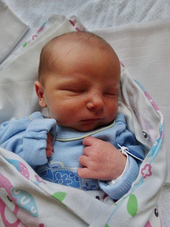 Čestmír Koželuha se narodil 31. prosince ve 4:04 mamince Kateřině a tatínkovi Čestmírovi zPlzně. Po příchodu na svět vporodnici U Mulačů vážil jejich prvorozený synek 3080 gramů.
