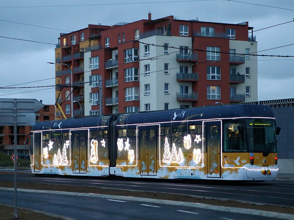 Plzeňská vánoční tramvaj