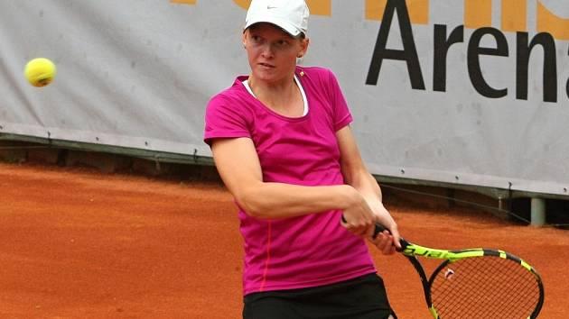 V tenisovém žebříčku nejlépe postavená Češka Michaela Bayerlová (na snímku)  v 1. kole juniorského turnaje Ex Pilsen Tennis Arena Cup nestačila na Japonku Ajumi Mijamoto.