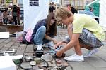 Týdenní mezinárodní letní animační soustředění začalo v sobotu v západočeské metropoli.