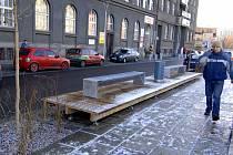 Na nově zrekonstruovaném Denisově nábřeží vzniknou placená místa, řidiči  na nich zaplatí 10 korun za hodinu. Ceny parkovacích stání zůstanou i pro příští rok  na stejné úrovni  jako letos