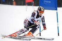 Eva Koželuhová na sjezdovce obřího slalomu