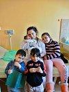 Denis Mižigár se narodil 11. února ve 22:11 mamince Ingrid a tatínkovi Dunovi z Plzně. Po příchodu na svět v porodnici U Mulačů vážil bráška Vivien (7), Ingrid (5) a čtyřletého Romana 2900 gramů a měřil 46 centimetrů.
