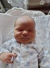 Benjamín Kliment se narodil 19. března v 7:05 mamince Lucii a tatínkovi Vladimírovi z Plzně. Po příchodu na svět v plzeňské FN vážil bráška šestiletého Matyáše a čtyřletého Kristyána 3890 gramů a měřil 50 centimetrů.