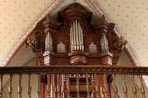 Nástroj ve Starém Plzenci je cenný především dochovanou barokní skříní