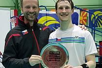 Josef Rubáš vede přípravu nejlepších českých badmintonistů včetně Jana Loudy (vpravo) v nově zřízeném Národním badmintonovém centru v Plzni.