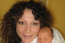 Petře a Antonínu Kopeckým z Klatov se 23. září ve 22.40 hod. narodila v Mulačově nemocnici druhorozená dcera Simonka (2,40 kg/43 cm). Doma se na svoji sestřičku moc těší třiapůlletá Darinka