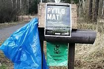 Plzeňáci mohou uklízet les. Pomůže jim pytlomat.