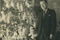 My s vánočním stromkem, 24. prosince 1942, pivovar